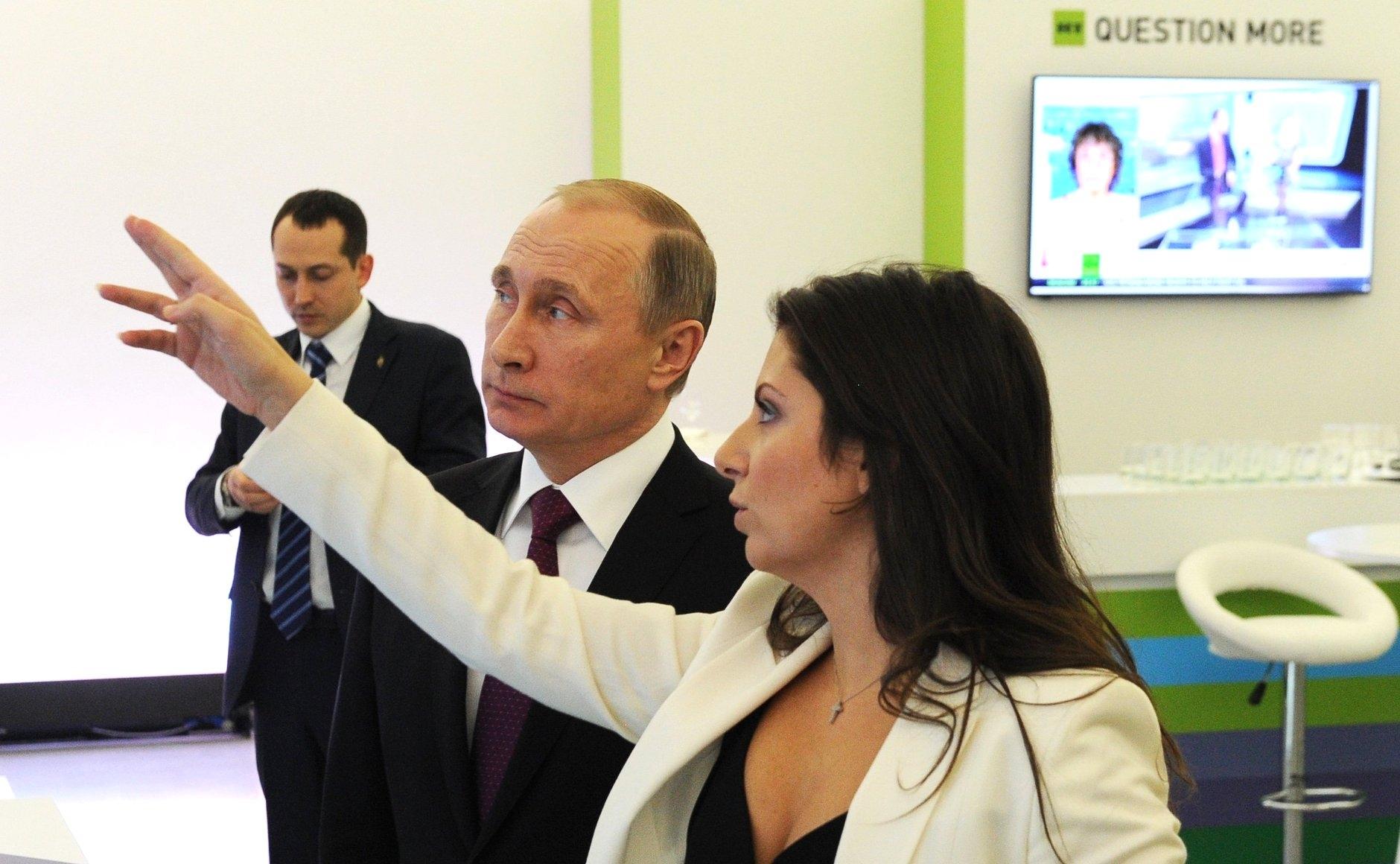 """Зачем в RT просили журналиста """"шпионить"""" за Навальным? 1   ГОЛОС МОСКВЫ"""